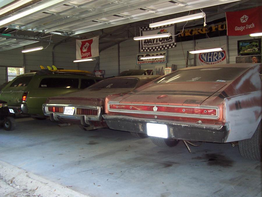 1969 Dodge Charger Rt together with 69browncoro besides 18020 1970 plymouth road runner besides GeneralLeeReplica besides Dodge challenger forty years of a dodge muscle Car legend. on 383 magnum engine